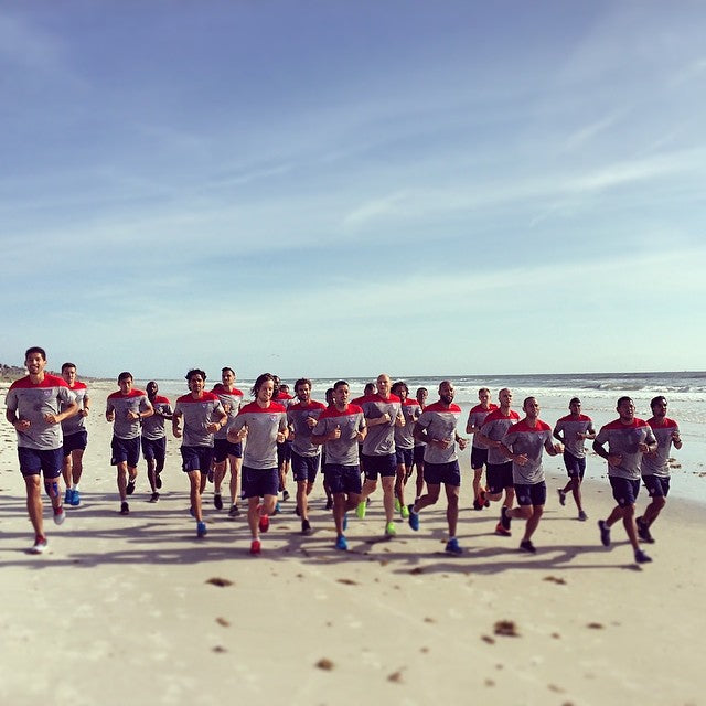 US World Cup team goes for a run on Jacksonville Beach