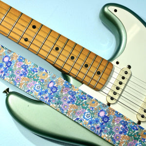 Floral Guitar Strap in Carnaby Street Product detail photo 2