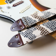 Vintage-style guitar strap made with 70s polyester 3