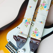 Reclaimed vintage guitar strap in 70s cream polyester with floral pattern photo 2