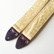 Reclaimed vintage guitar strap in 70s gold vines - photo 3