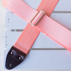 Seatbelt Guitar Strap in Millennial Pink Product detail photo 4