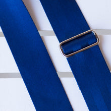 navy blue seatbelt guitar strap by original fuzz