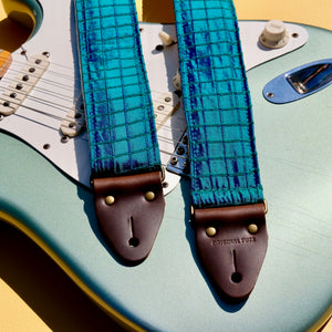 Silk Guitar Strap in The Minks Product detail photo 1