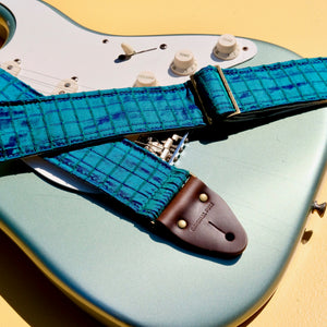 Silk Guitar Strap in The Minks Product detail photo 5