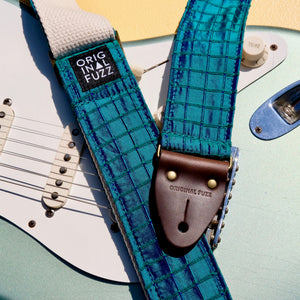 Silk Guitar Strap in The Minks Product detail photo 3
