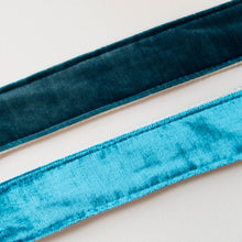 Velvet Guitar Strap in SoHo