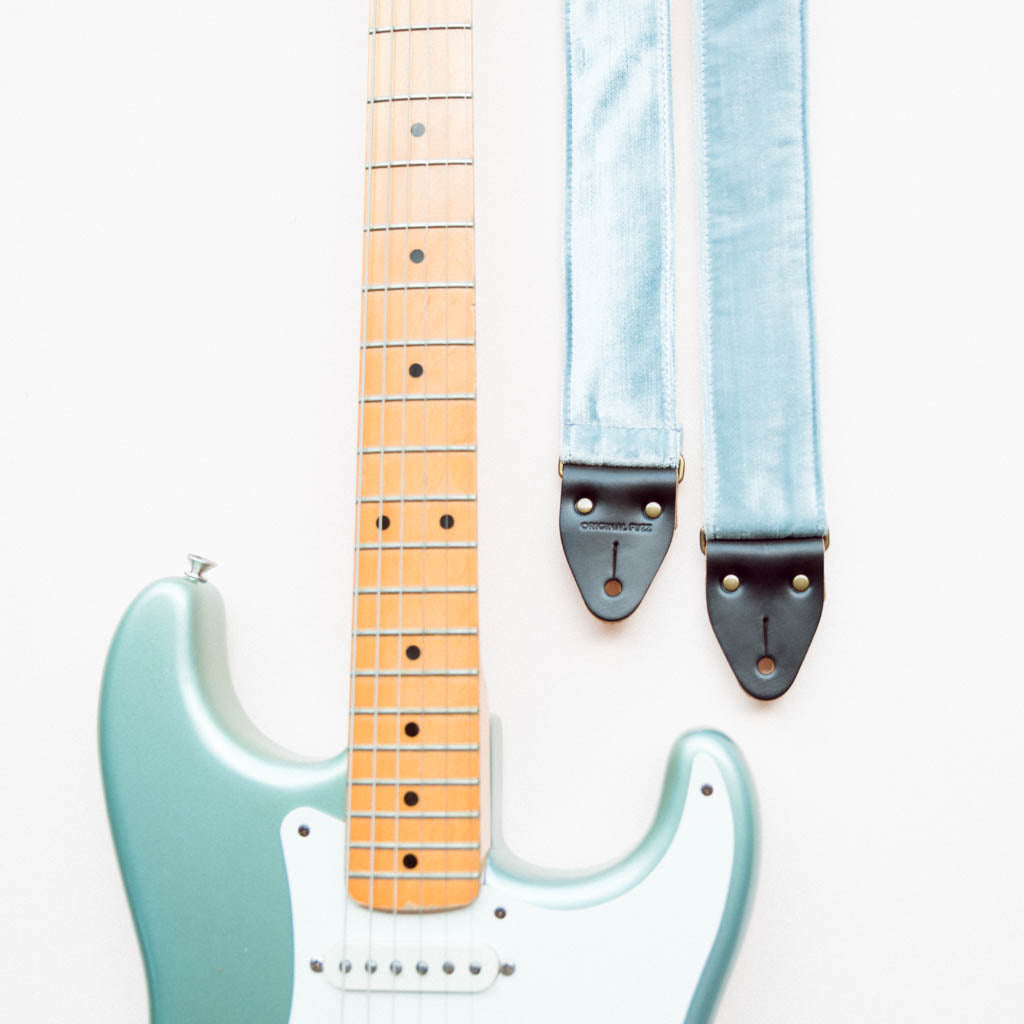 pale sky blue velvet guitar strap by original fuzz