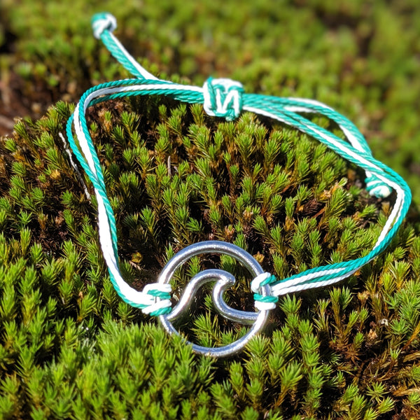 The Wave Collection Bracelet in Green and White