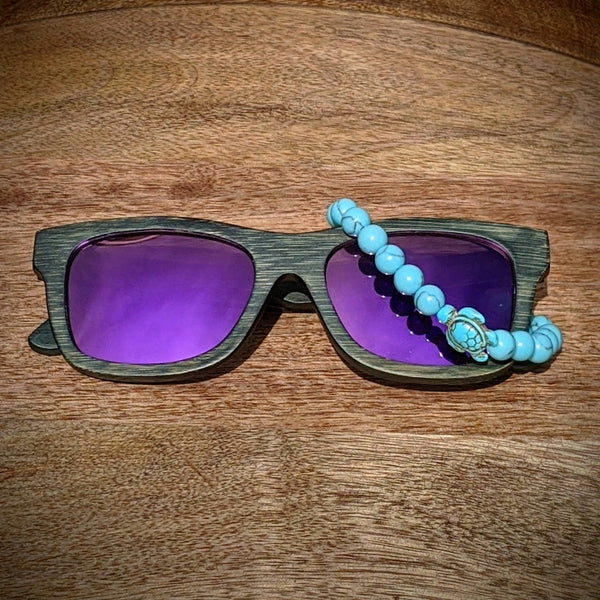 Polarized Bamboo Sunglasses and Turtle Bracelet Bundle