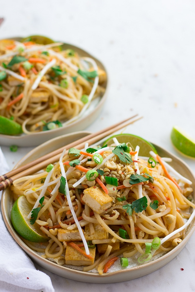 vegan pad thai in a bowl
