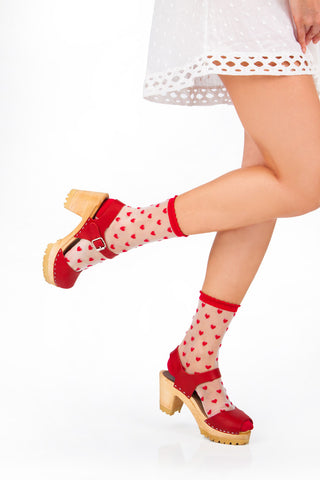 Feature_socks-and-clogs