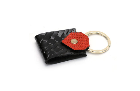 LOGO KEY CHAIN KC207 BLACK - LOGO | OPIA