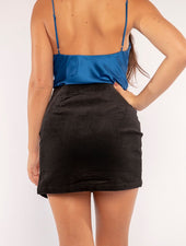 THE CORDS SLIT SKIRT IN BLACK