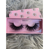 "Lash style ""Snatched"""