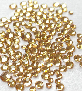 Light Gold Nail Crystals (mixed sizes x150)