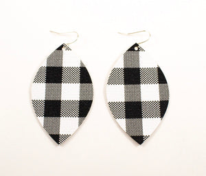 Black & White Buffalo Plaid Oval Leaf