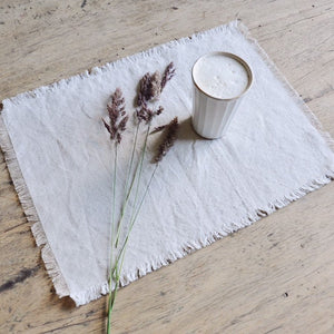 FÉLICE | Vintage Frayed Linen Placemats, set of 4
