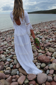 JESS | Vintage 1970s bohemian wedding dress