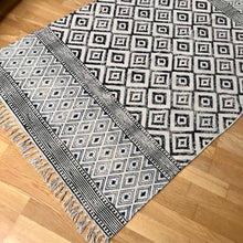 Load image into Gallery viewer, DHURRIE #1 | Handmade Block printed Indian Cotton Rug