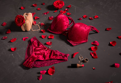FREE LINGERIE GIFT ON ORDERS OVER $200