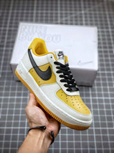 Load image into Gallery viewer, Nike Air Force 1 07`