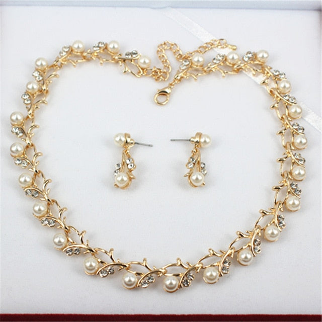 Hot Pearl Necklace and Earrings Jewelry for Women Elegant Fashion 2020