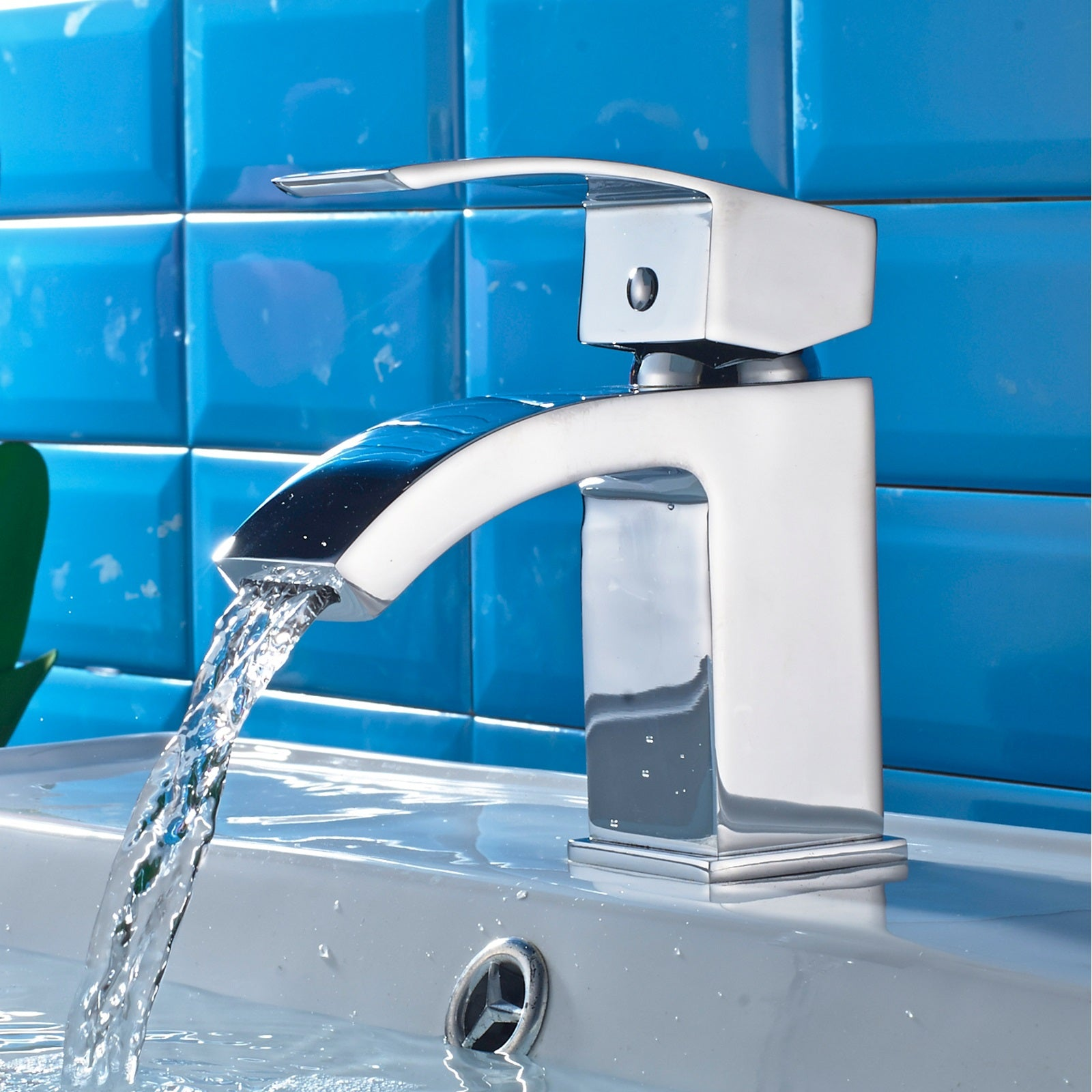 Introducing the Curve Mini Mono Basin Mixer Tap!