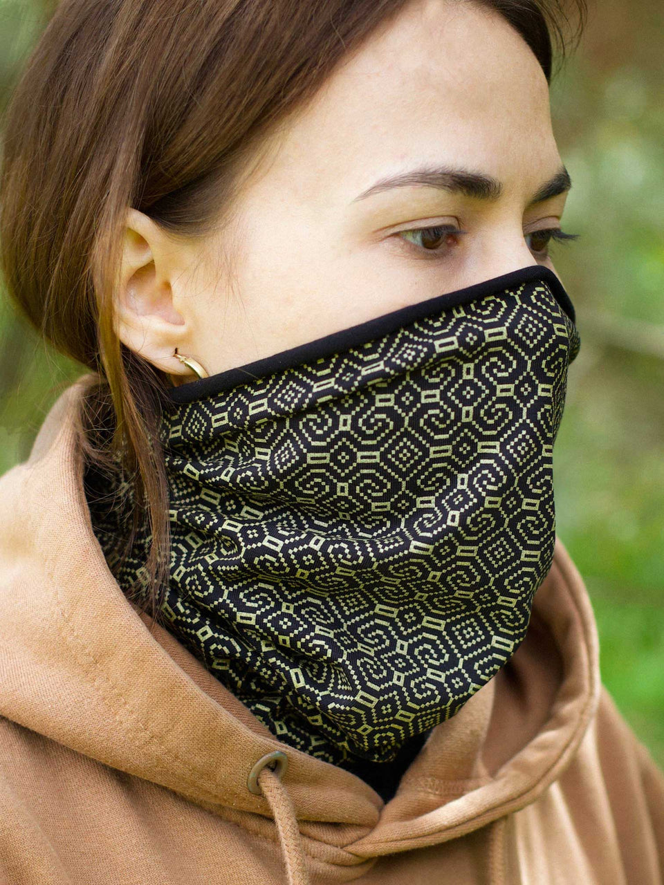 Shipibo-Conibo Gold Face Mask - Black