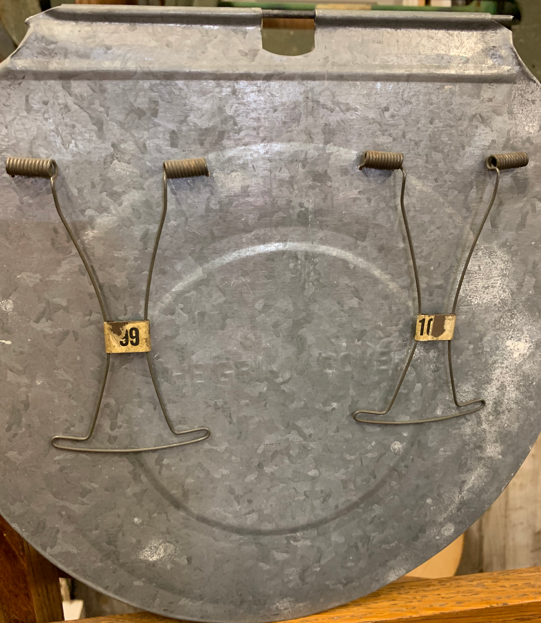 Galvanized sap bucket lid