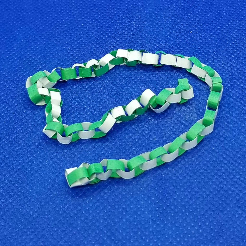 1/12 Scale Paper Chain - Christmas Decoration Green - Dollhouse Freedom Miniatures