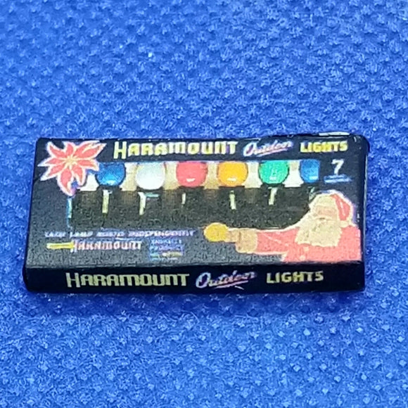 1/12 Scale Haramount Outdoor Christmas Lights Box - Dollhouse Miniature