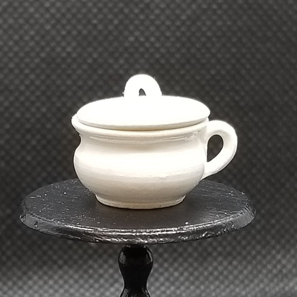 Pottery - Chamber Pot with Lid - White
