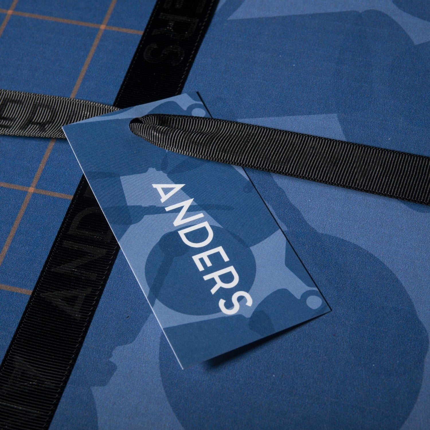 Personalized Gift Tag on Anders Gift Box Flavor