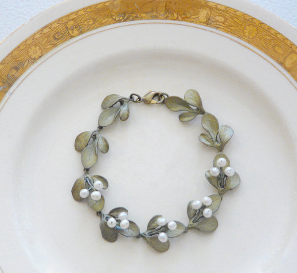 The Botanical Garden Barberry Bracelet
