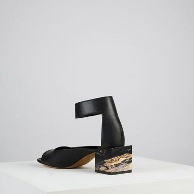 Load image into Gallery viewer, New Marmo Ankle Sandal Nero Oro