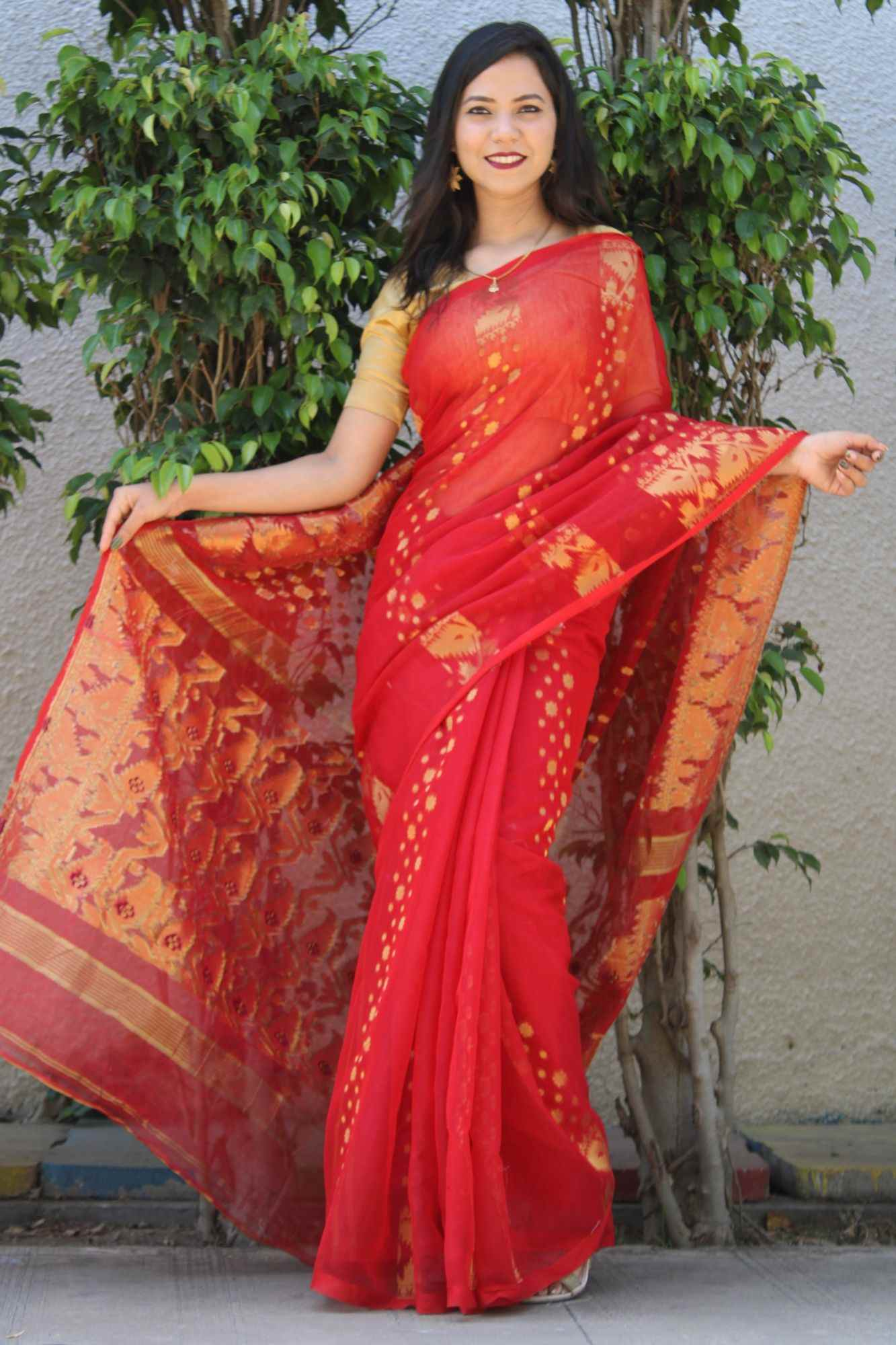 Cotton Silk Dhakai Jamdani Handloom Saree with Weaving Thread Work Work and Leaf Design Wrap in 1 Minute Saree