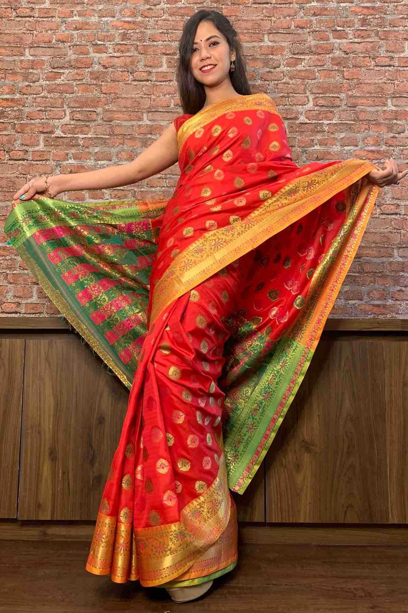 Red and green banarasi silk blend wrap in 1 minute sari