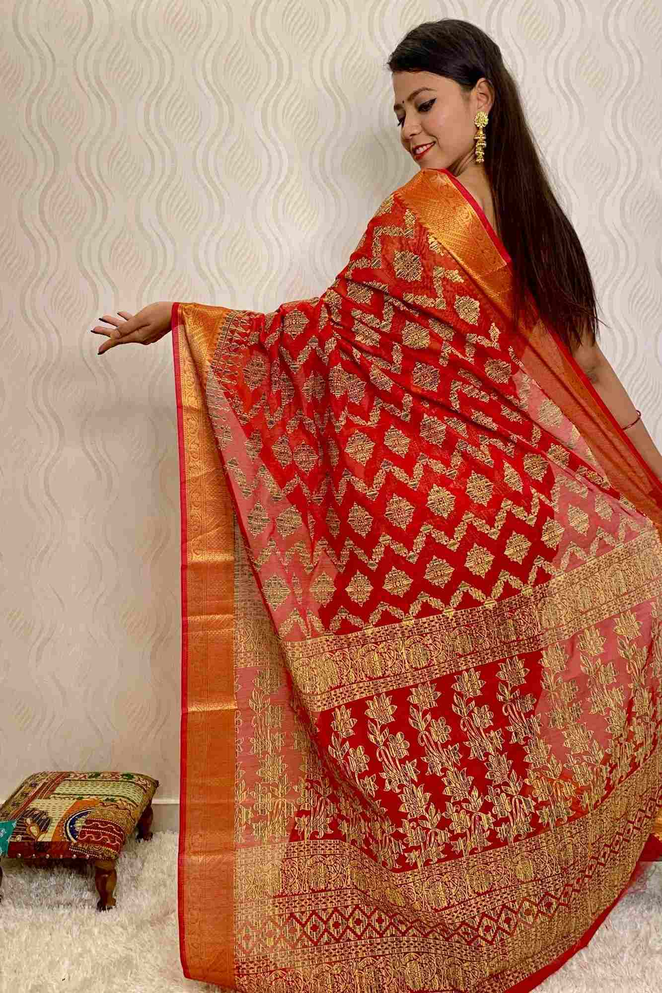 Traditional printed with zari border wrap in 1 minute saree