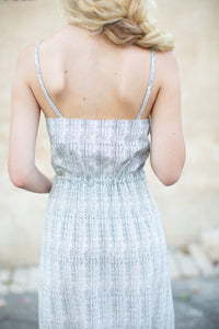 Dress with Tied Line