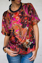 Load image into Gallery viewer, Red Printed Silk Blouse