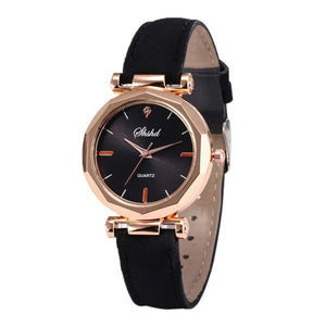 Womens fashion watch with quartz movement, alloy case with leather band, casual or business fashion, not waterproof.  Reloj para mujer elegante, ejecutivo con movimiento cuarzo, marco metálico con pulso de cuero.
