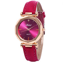 Load image into Gallery viewer, Womens fashion watch with quartz movement, alloy case with leather band, casual or business fashion, not waterproof.  Reloj para mujer elegante, ejecutivo con movimiento cuarzo, marco metálico con pulso de cuero.