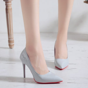 Beautiful women´s super high heel pumps (approx 8 cm), executive slip on style.  Hermosos tacones de mujer super altos (approx 8 cm), estilo ejecutivo, sexy y delicados.