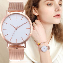 Load image into Gallery viewer, Luxury womens watch with quartz movement water, shock resistant, stainless steel band. Reloj lujoso de mujer color rosa oro con movimiento cuarzo, resiste choques, agua, pulso de acero inoxidable.
