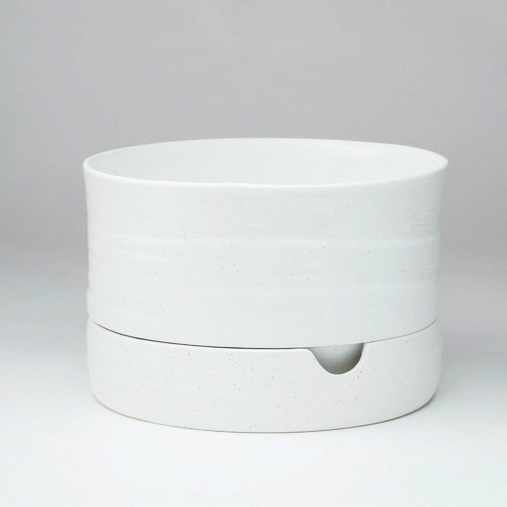 Self Watering Plant Pot Mid- Speckled White