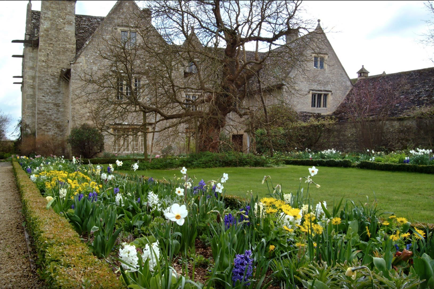 Kelmsford Manor, William Morris Country Home