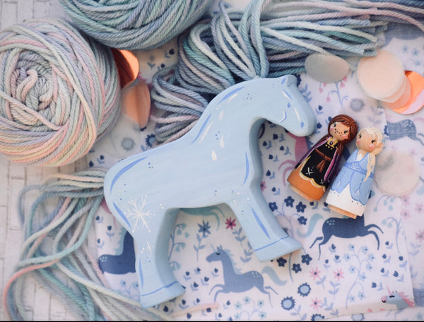 Frozen 2 Playset - Tiny Anna, Elsa & Yarn Horse Nokk