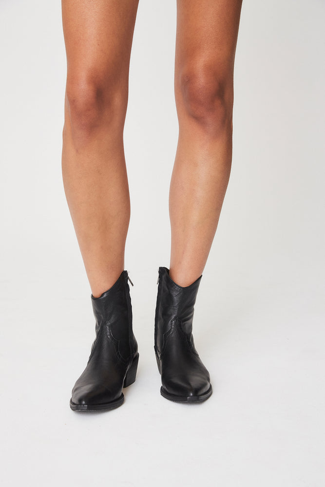 Perry Leather Boots Noir