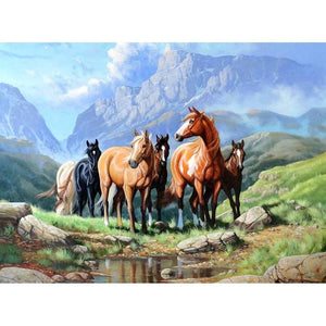 Horse On The Grass Diamond Painting Kit - DIY